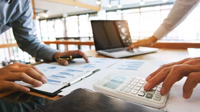 Après le crédit bancaire, Bercy apporte un soutien à l'assurance-crédit
