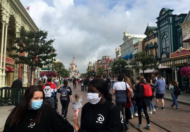Chez Disneyland Paris, l'employeur prend en charge le coût du test Covid jusqu'à la mi-octobre